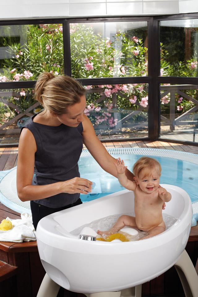 The MagicBath comes with a €1655 (around US$2,185) price-tag and fits a baby for 12 months