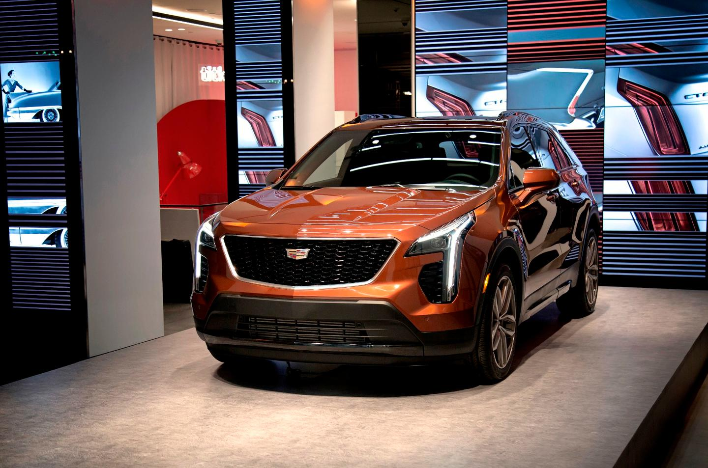 The front-end of the XT4 is unmistakably Cadillac with the blade-style LED daytime running lamps and a large mesh grille