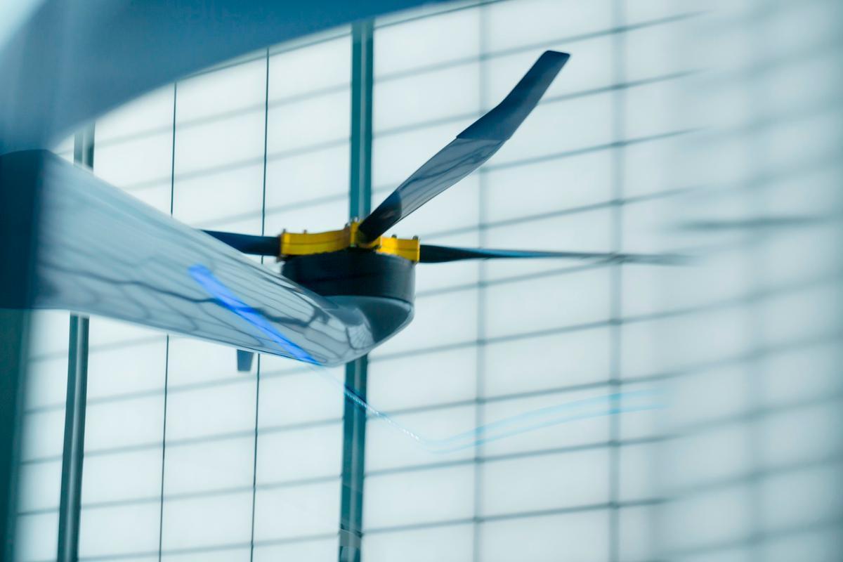 Alaka'i Technologies' Skai uses single large carbon props