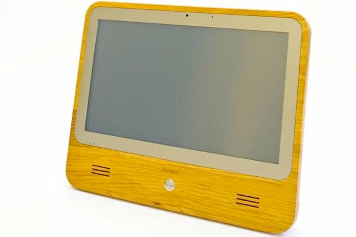 The iameco v3 touchscreen computer (Photo: MicroPro Computers)