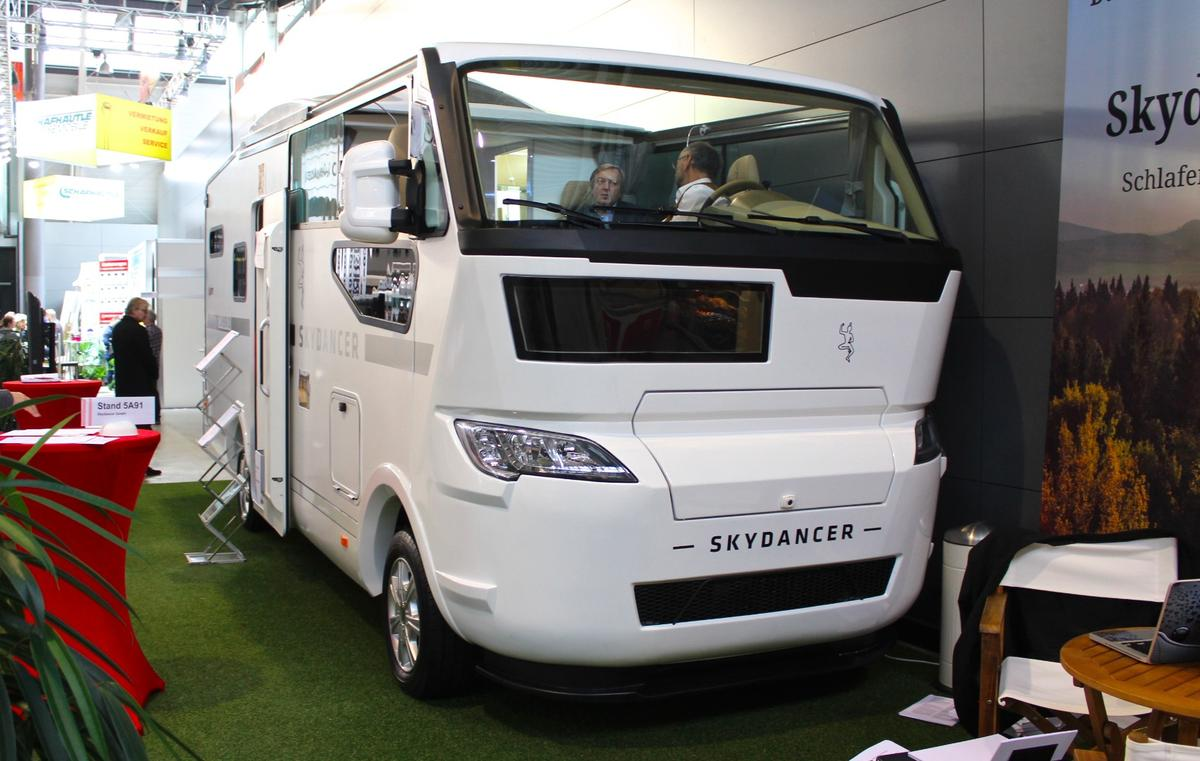 Skydancer debuts its Apéro camper-cabriolet at CMT 2019