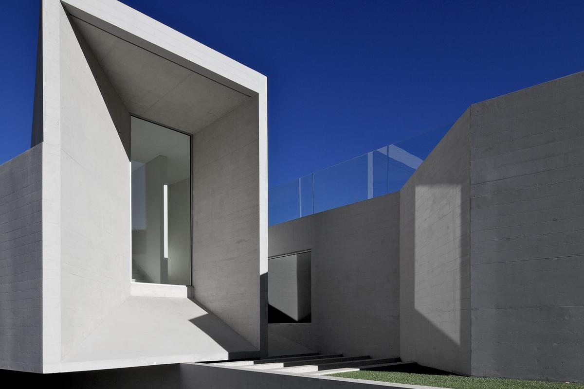 House RP would look right at home in George Lucas sci-fi movie THX 1138 (Photo: Nico Saieh)