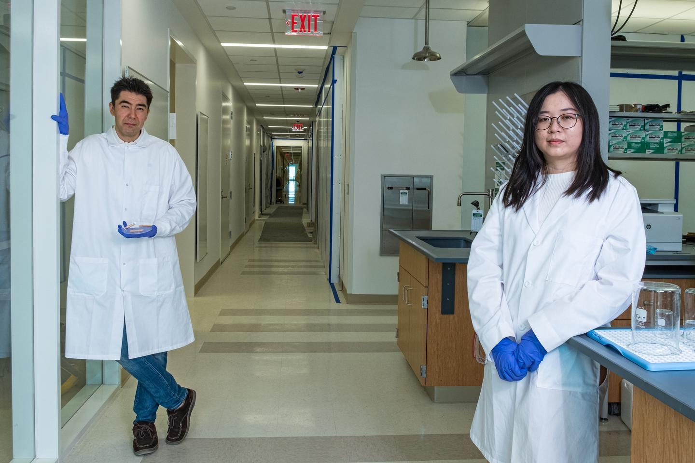 Rice University mechanical engineer Peter Lillehoj and fellow researcher Xue Jiang