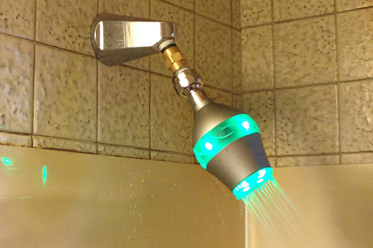 The Uji shower head starts out green, and gradually changes to red