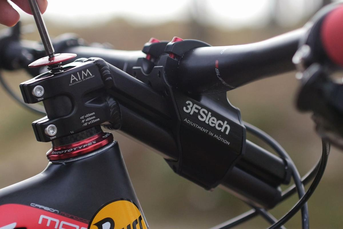 The AIM stem with the handlebar set to its middle position, for trail riding
