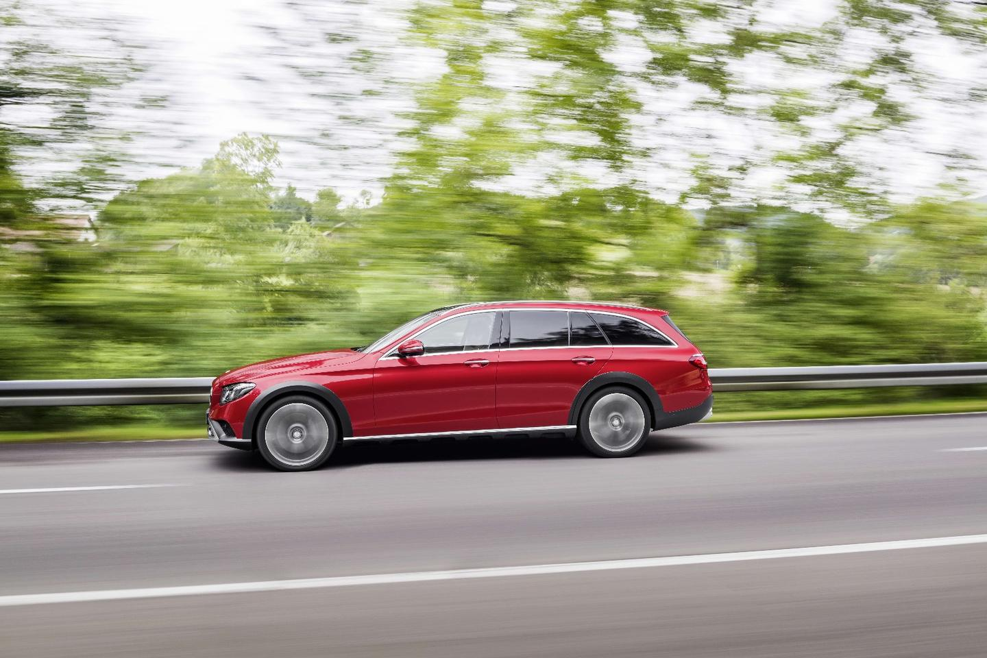 In its everyday setting, the car sits 29mm higher than a regular E-Class Estate