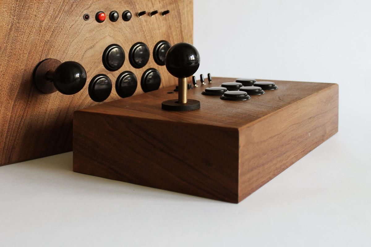 The R-Kaid-42 bespoke wooden retro gaming rig