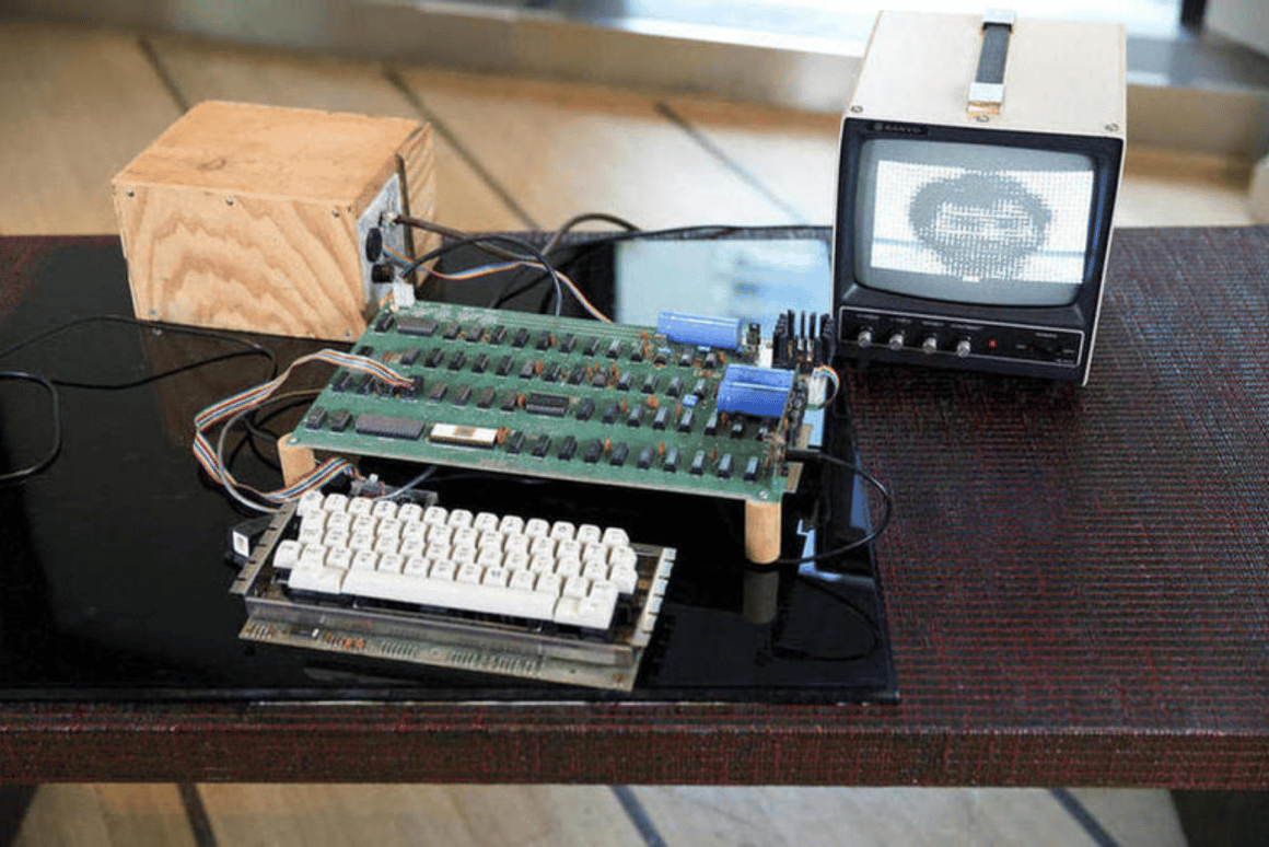 An Apple 1 computer was sold for $905,000 last week