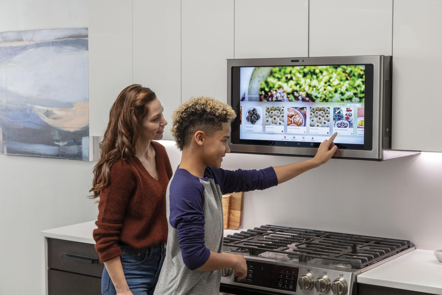 Ge S Kitchen Hub Touchscreen Rangehood Lets You Netflix And Grill