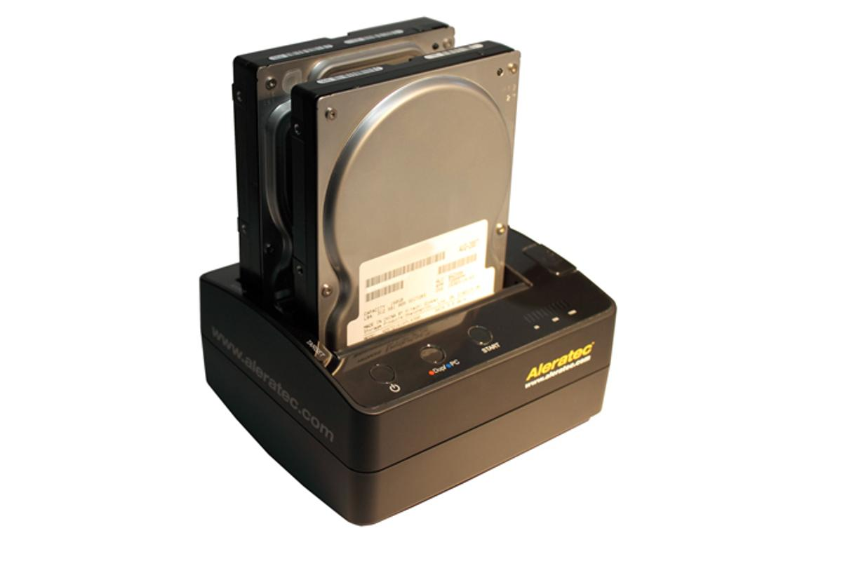 The Aleratec HDD Copy Cruiser Mini is a portable standalone hard disk drive copier for 2.5in. and 3.5in SATA I/II drives