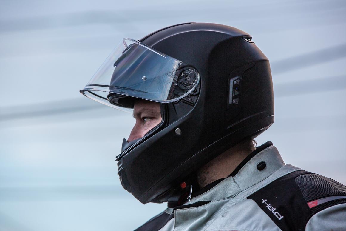 Sena Momentum review: A solid, smart helmet built around an
