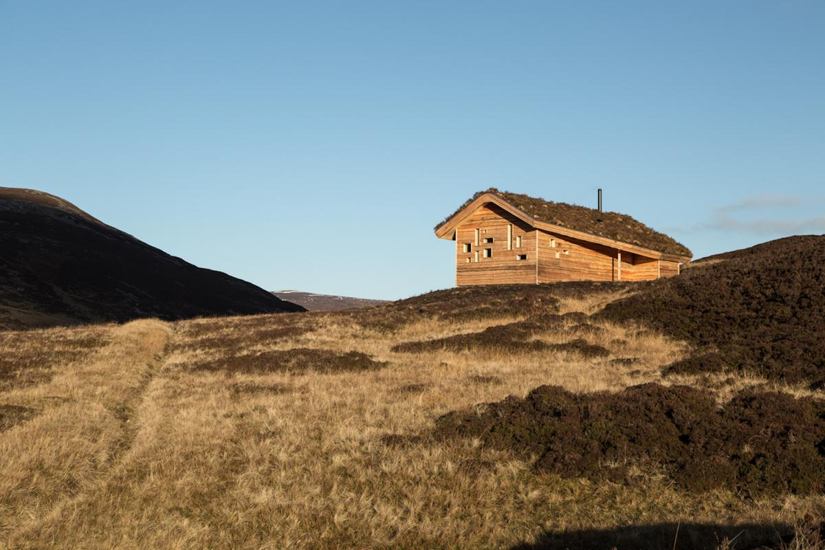 The Culardoch Shieling was commissioned by the owner of a highland estate in Cairngorms National Park, the largest national park in the British Isles