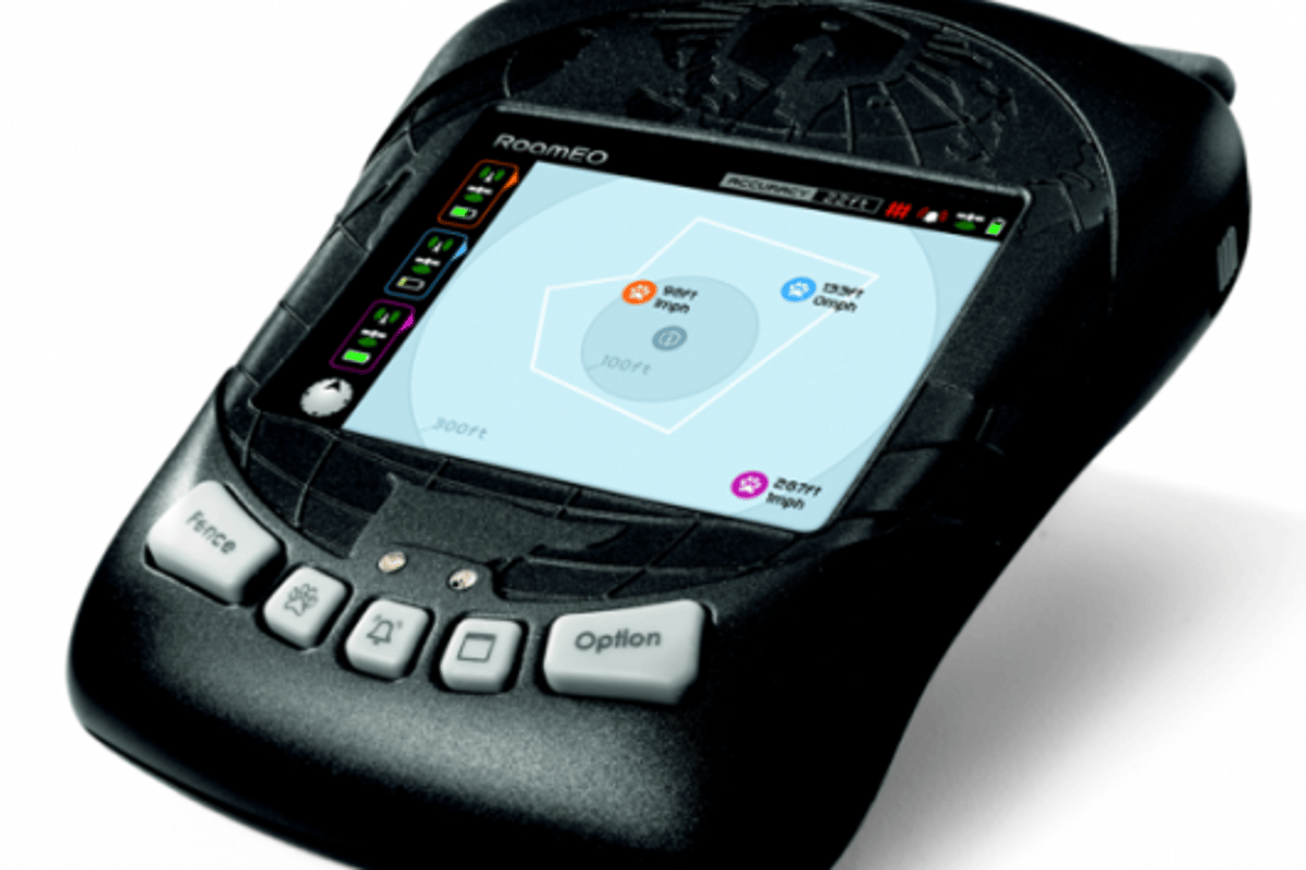 The handheld GPS unit for the RoamEO Pup
