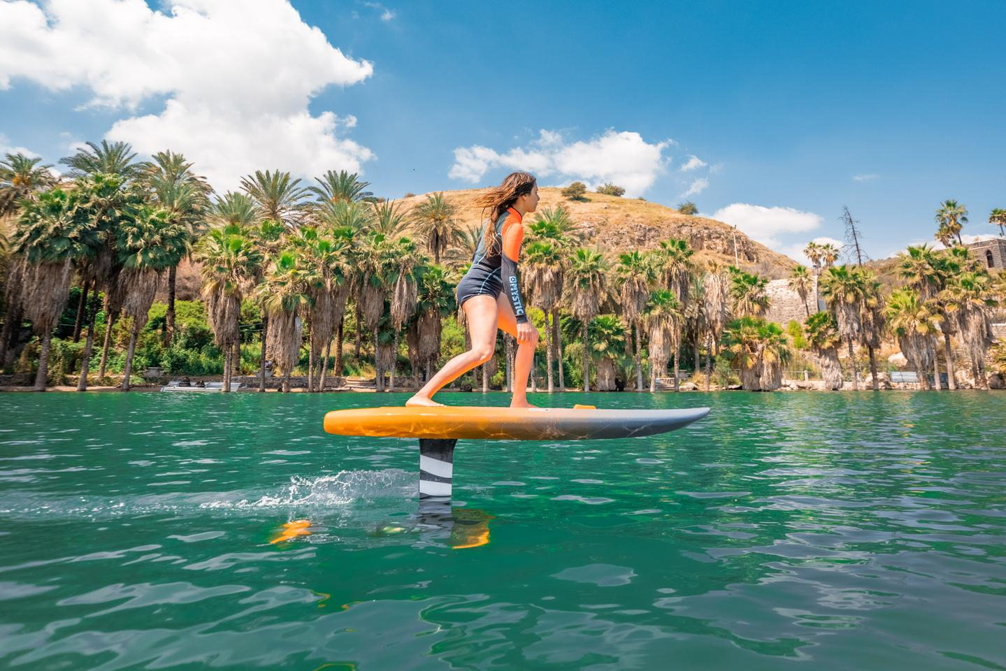 The Level Board is a single-mast hydrofoil with a subsurface wing that lifts the board up out of the water as it picks up speed