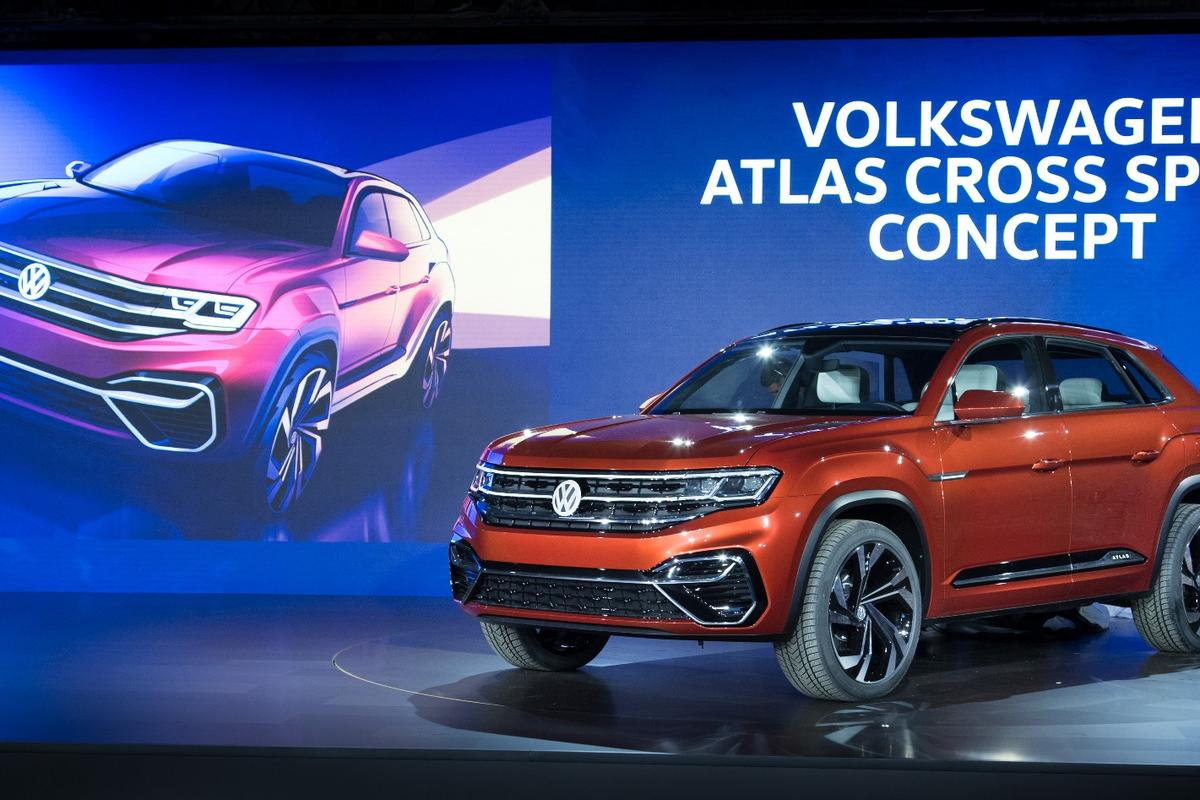 The Atlas Cross Sport concept on display in New York