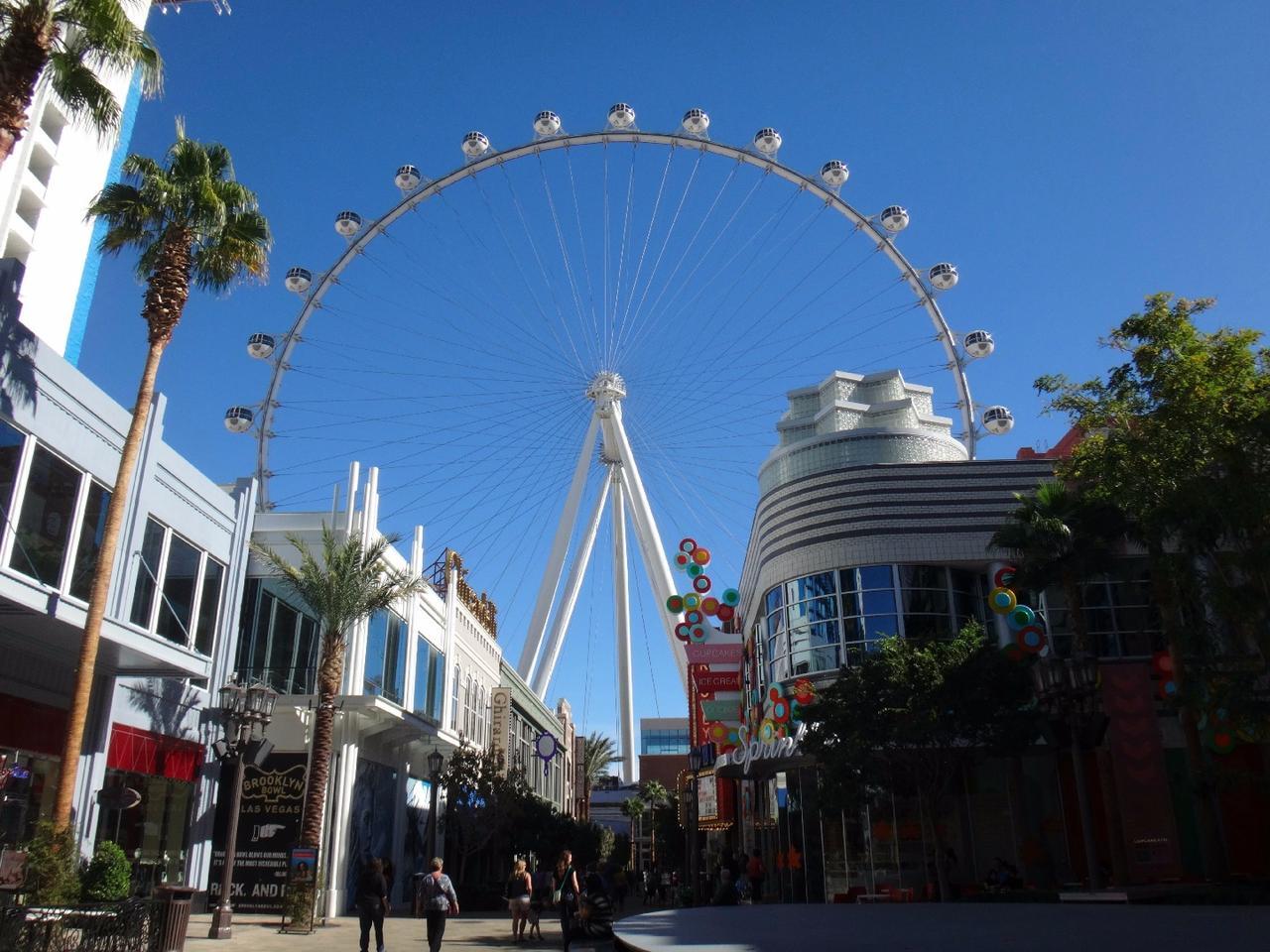 The Vegas High Roller, Las Vegas, USA (by Arup)