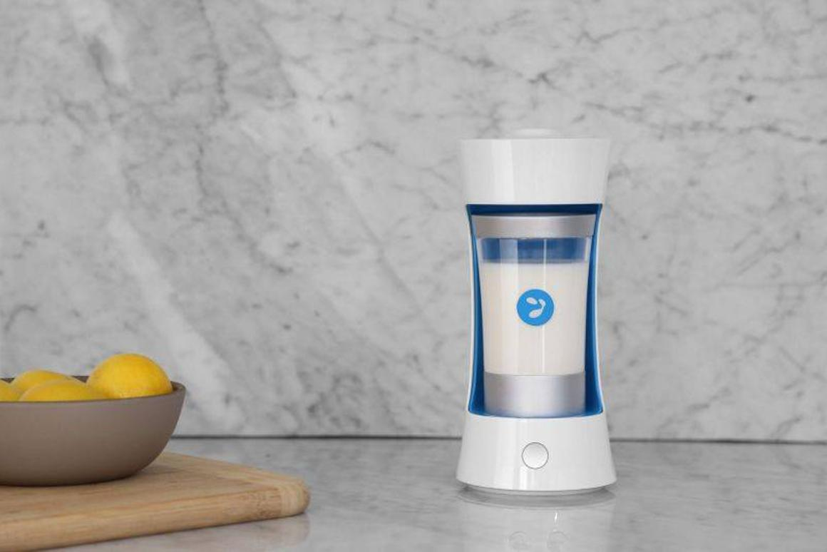 Yomee may be a yogurt maker, but the process isn't instant – it takes six hours