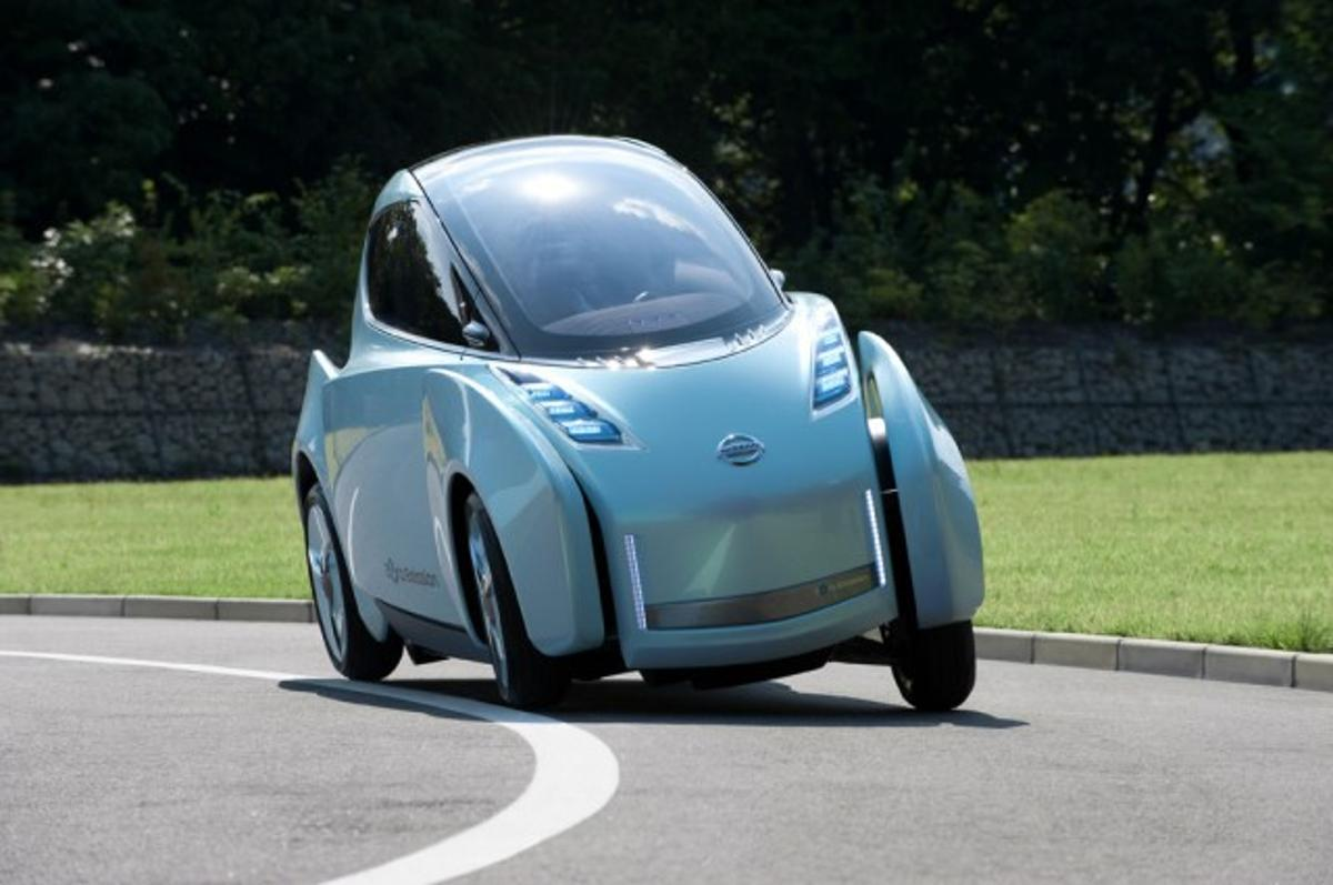 Nissan to show half-width 'Land Glider' tilting electric vehicle at the Tokyo Motor Show