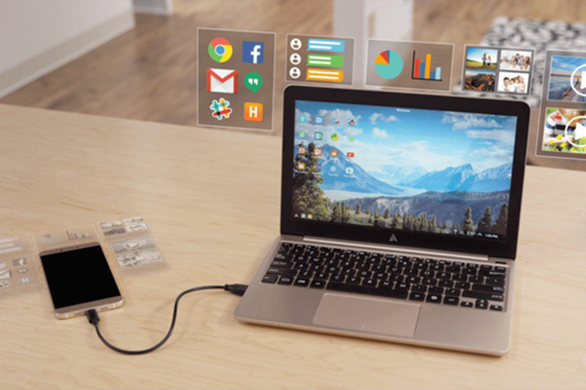 The Superbook leverages the processing power of modern smartphones
