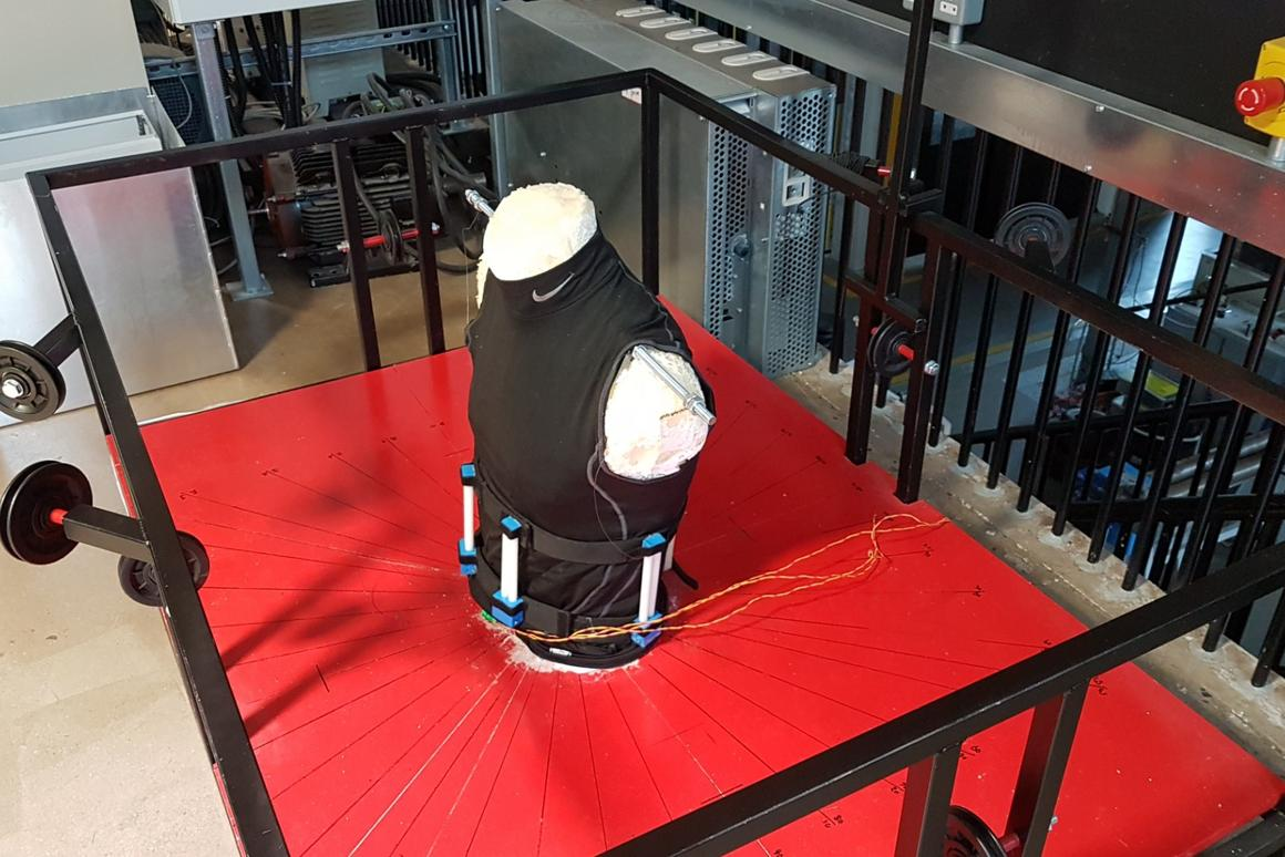When fitted with a back brace, the simulator is able to measure how much that device reduces flexion, extension, lateral bending and torsion of the back