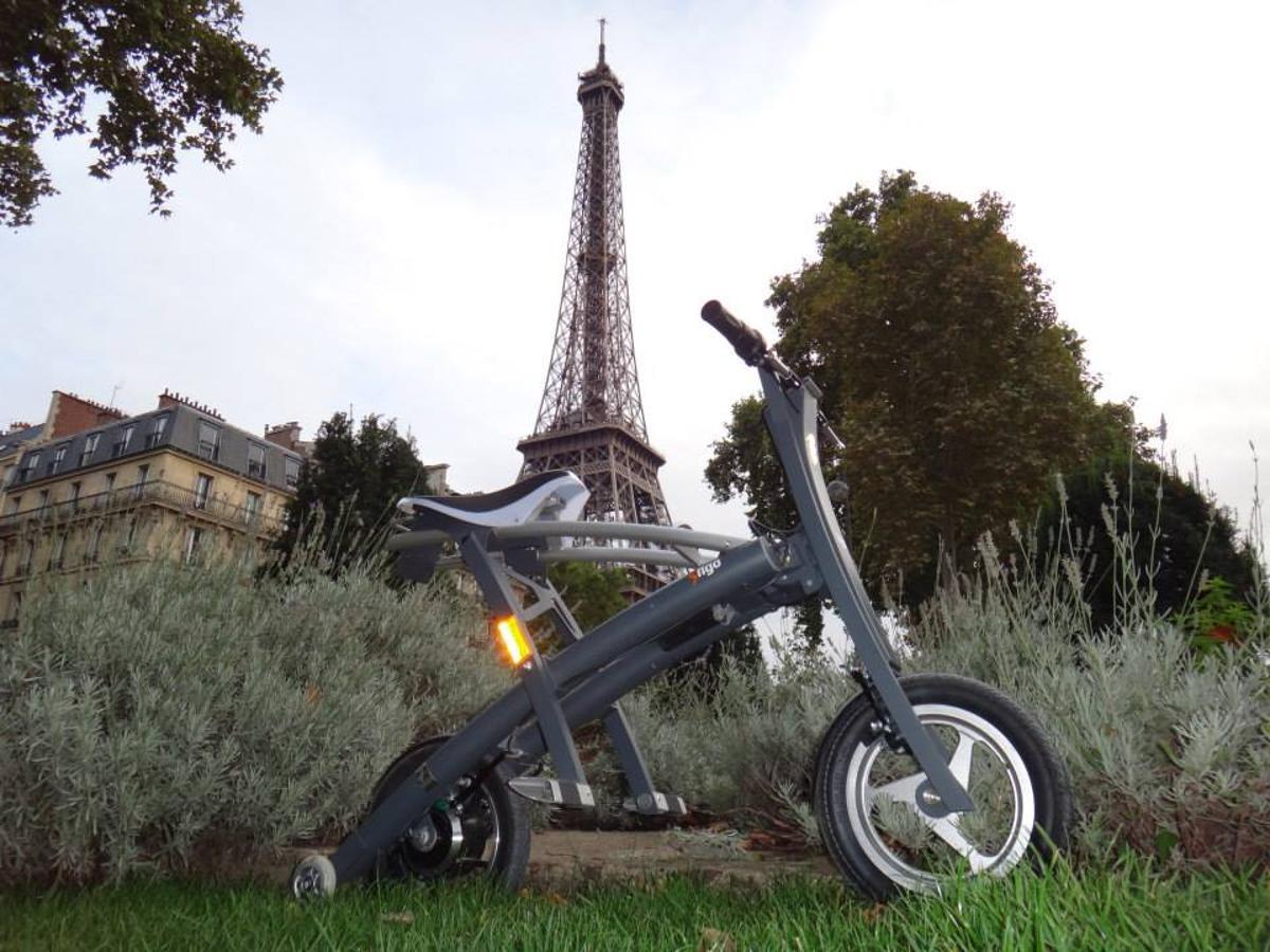The Stigo folding electric scooter in Paris
