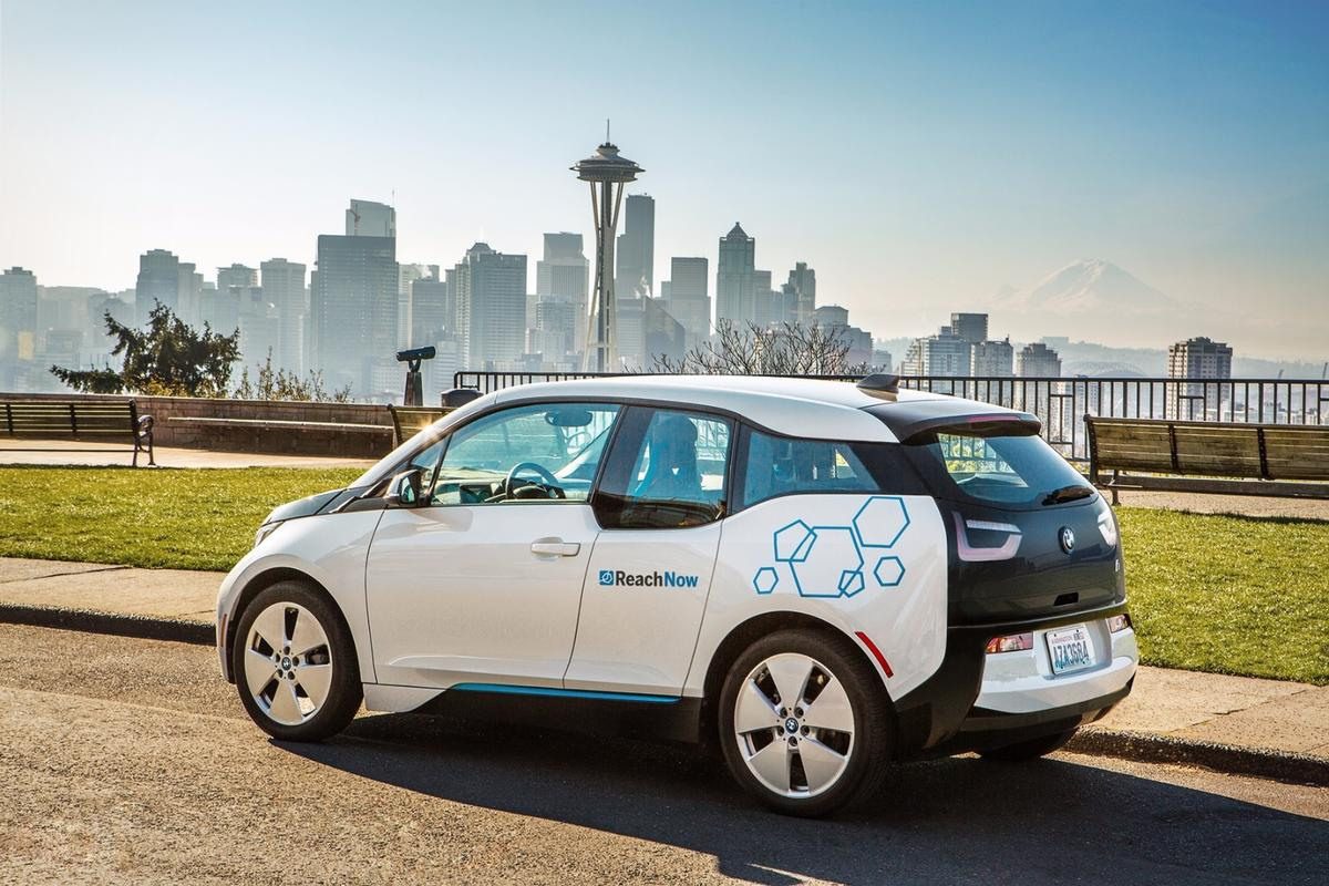 ReachNow users can hire cars, as well as have them delivered, extend their hires spontaneously and pay for a chauffeur service