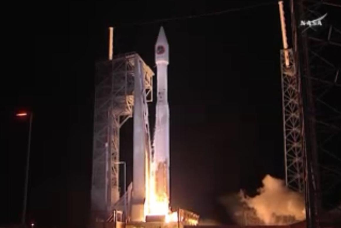 Orbital ATK Crs-6 lifting off