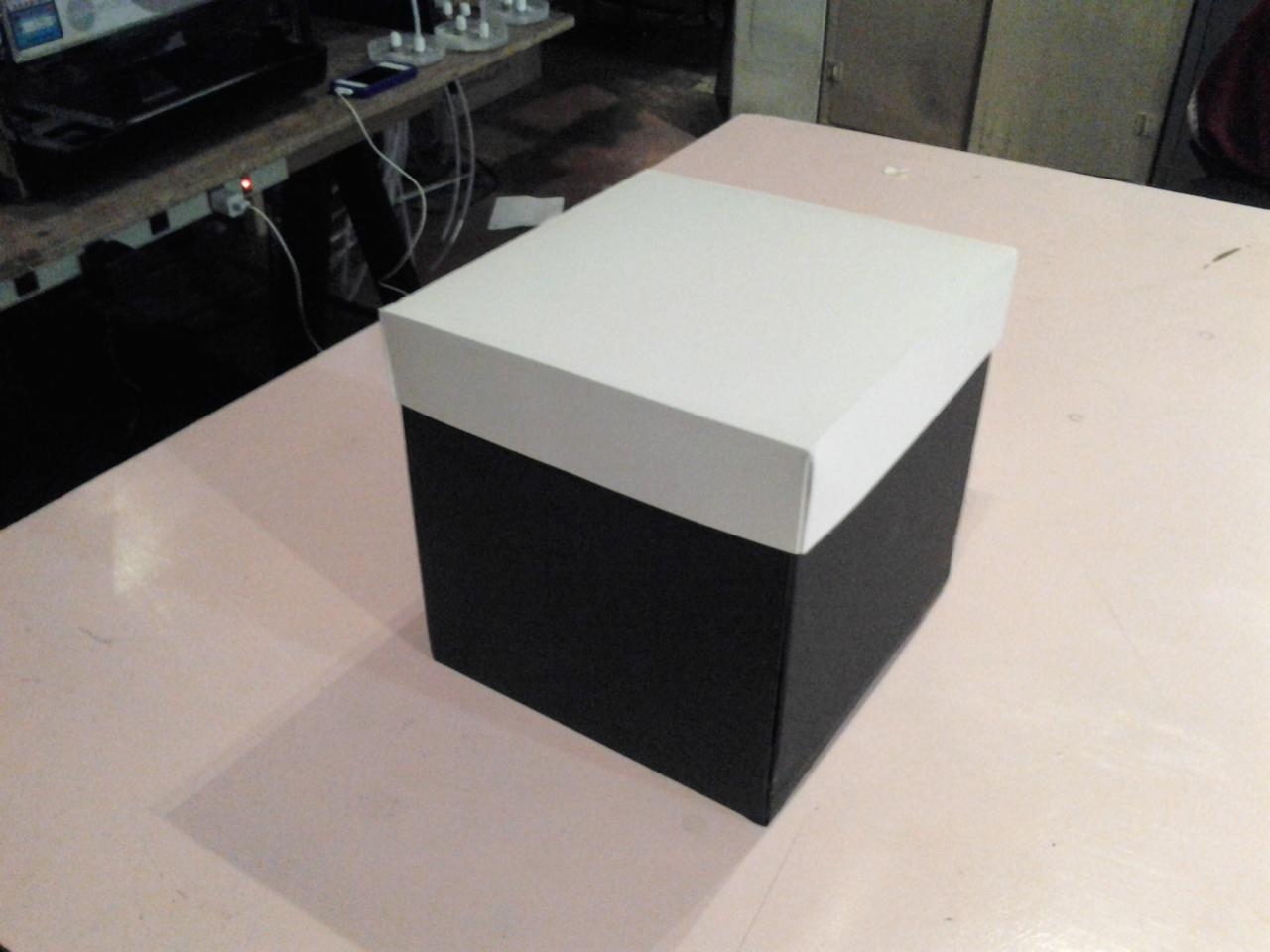 Remove the lid of the Piano Box and three sides fall flat against the table top, two hold speakers and the other features a touch sensitive 12-key piano/synth keyboard