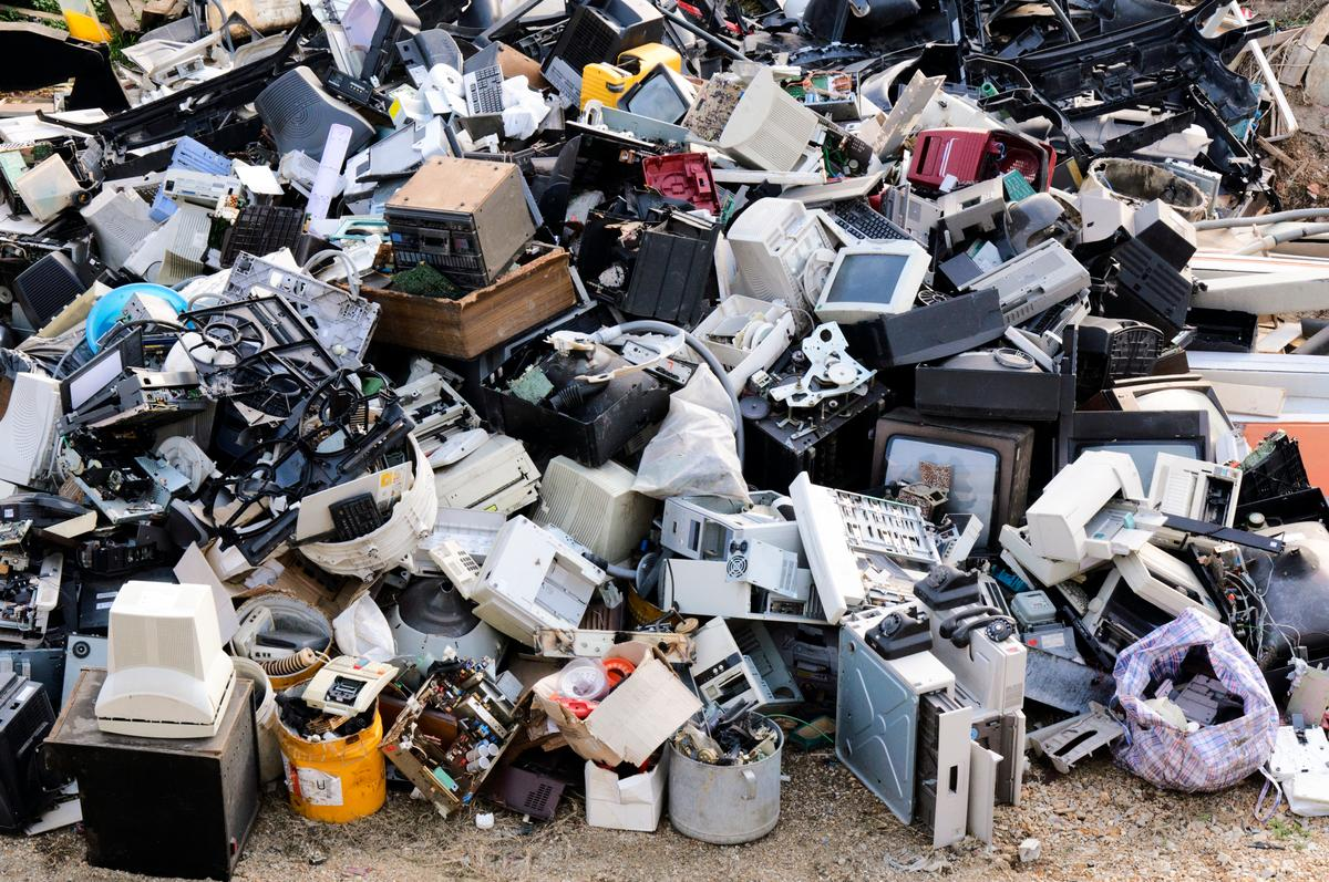 According to the United Nations, 20 to 50 million metric tons (22 to 55 UStons) of e-waste are discarded annually