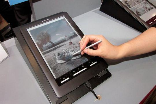 The color e-Reader will respond to touch from pen or finger