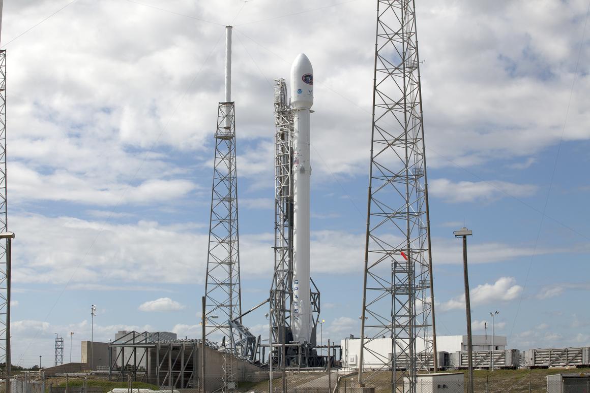The latest Falcon 9 launch has been delayed 24 hours (Photo: NASA/Kim Shiflett)