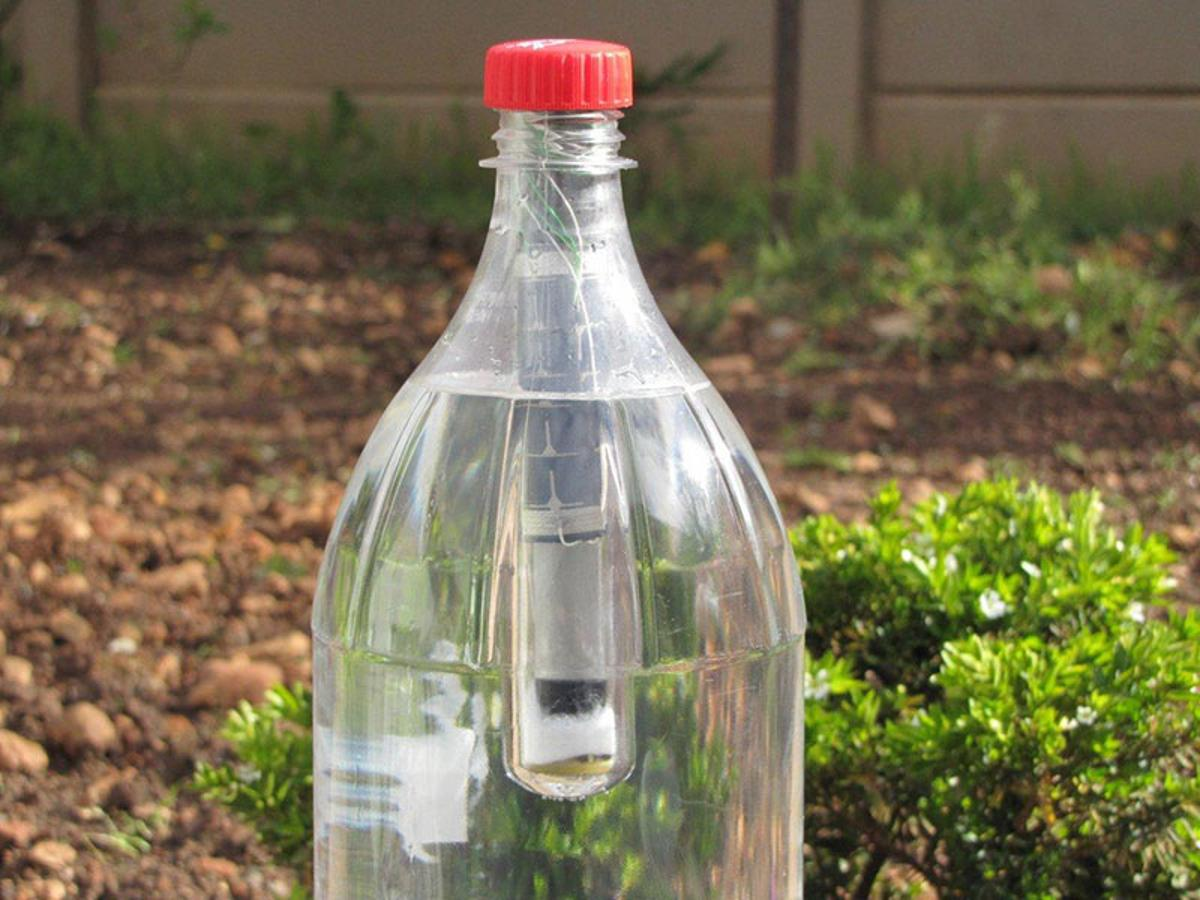 The Lightie is a solar-powered light designed shaped to fit right into the neck of a standard soda bottle (Photo: The Lightie)