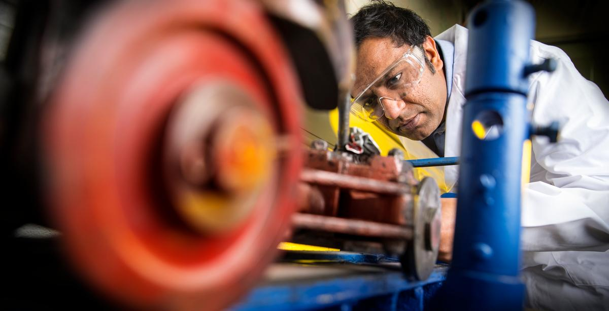 Dr Shahriar Hossain at work at the University of Wollongong