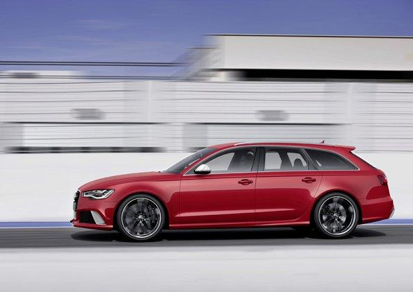 The 2014 Audi RS 6 Avant in action