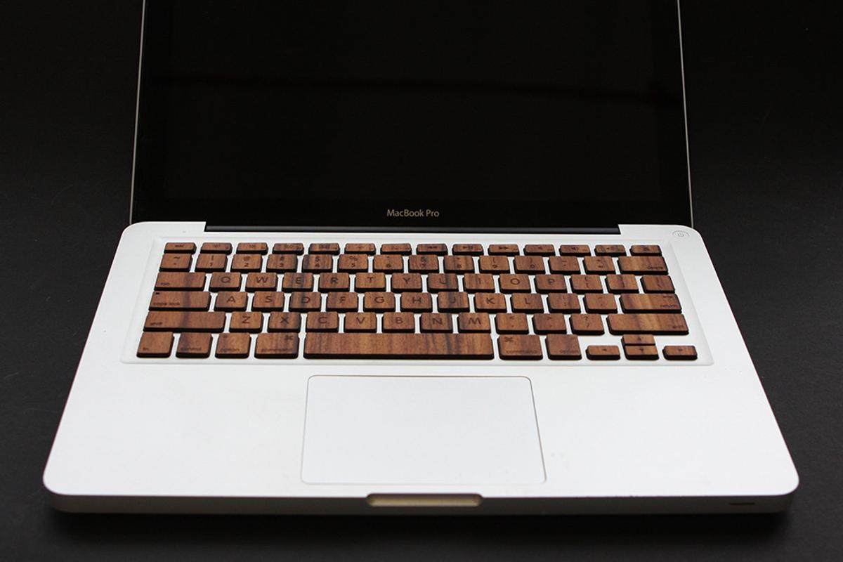 The MacBook Wood Keyboard is compatible with all Unibody MacBook Pro models, including Retina