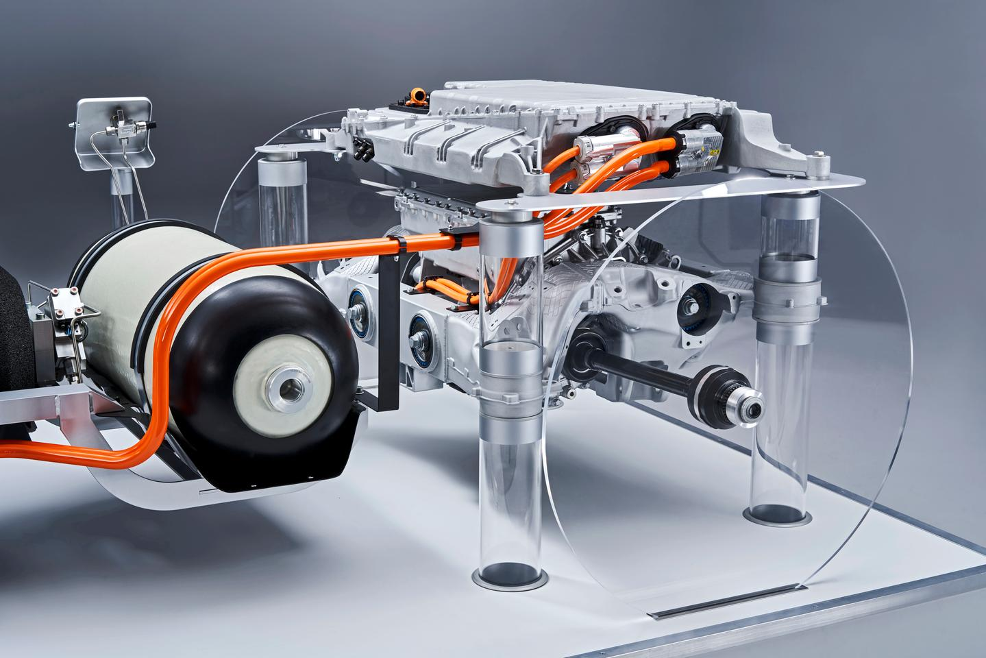 The i Hydrogen Next powertrain, developed by BMW in conjunction with Toyota