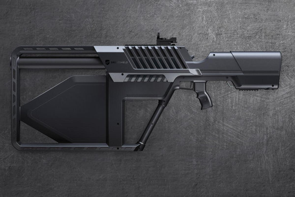 The DroneGun Tactical is smaller than the previous anti-drone model, but can jam a wider range of frequencies