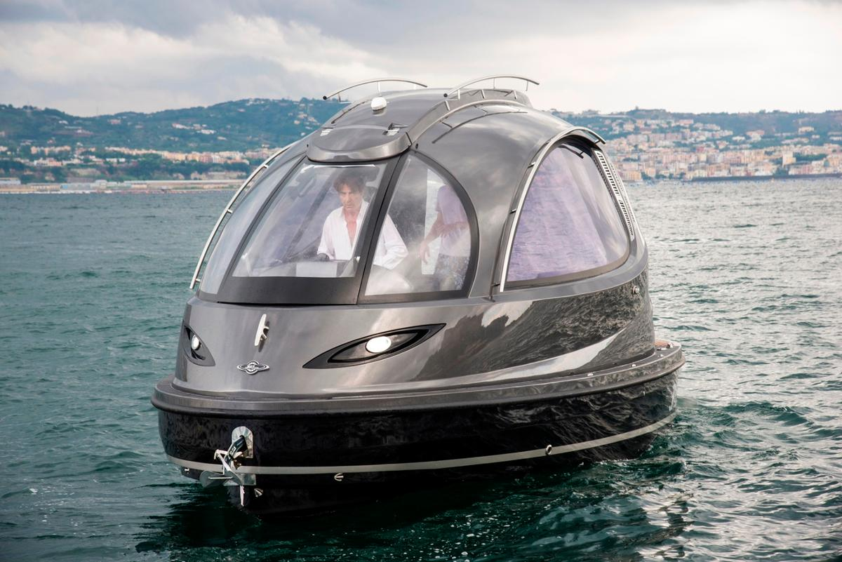 The Jet Capsule was conceived as a personal watercraft or a water taxi