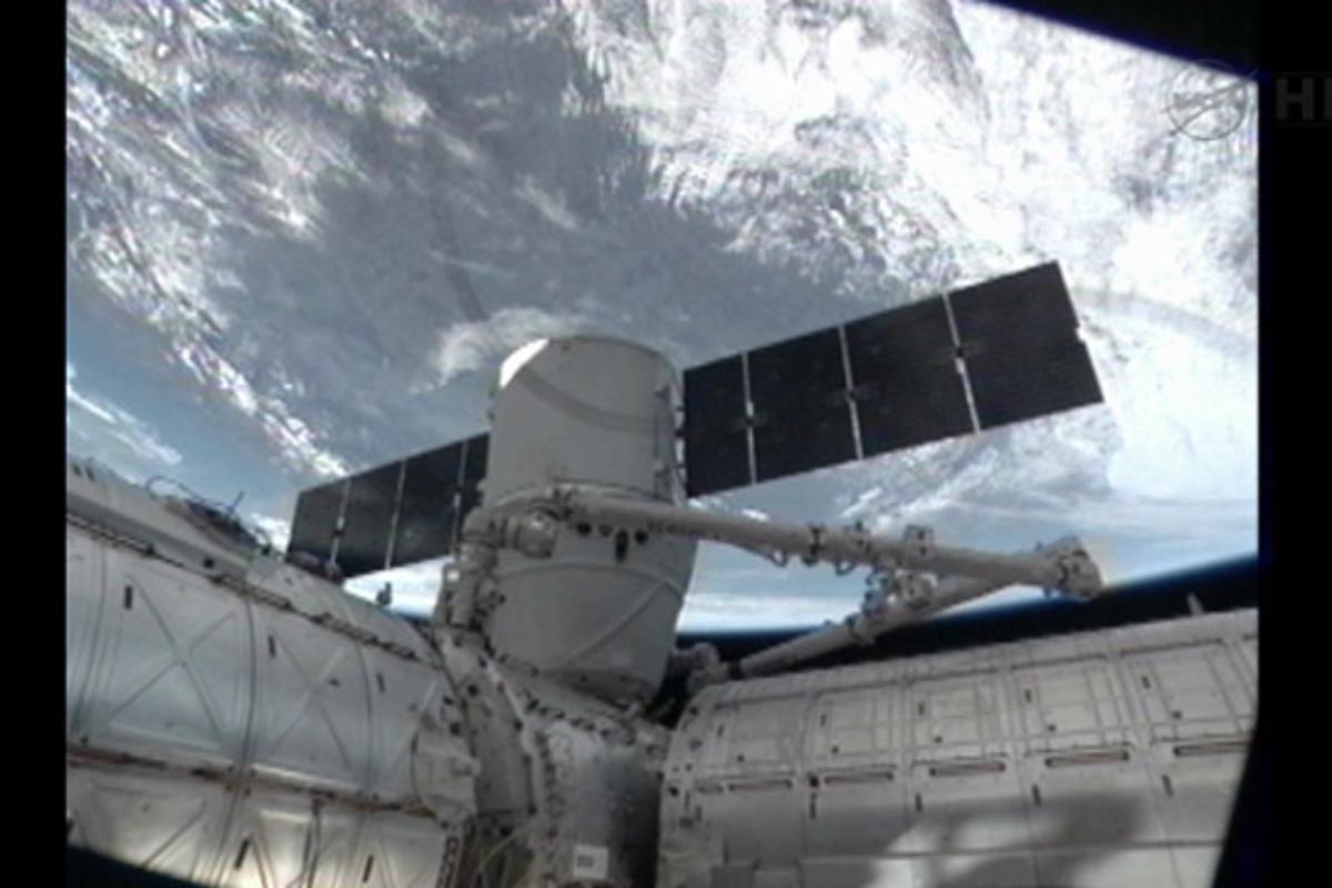 Dragon CRS-2 berthed at the ISS (Image: NASA)