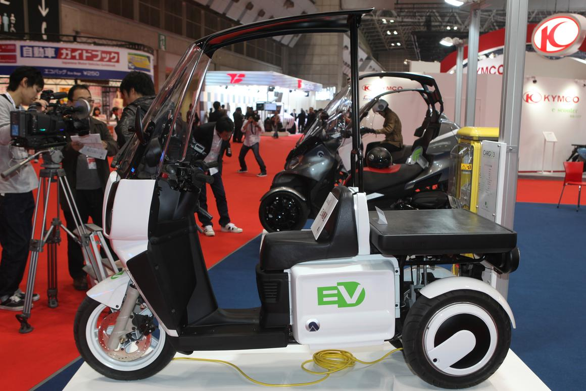 The all-electric CARGO3 from Adiva