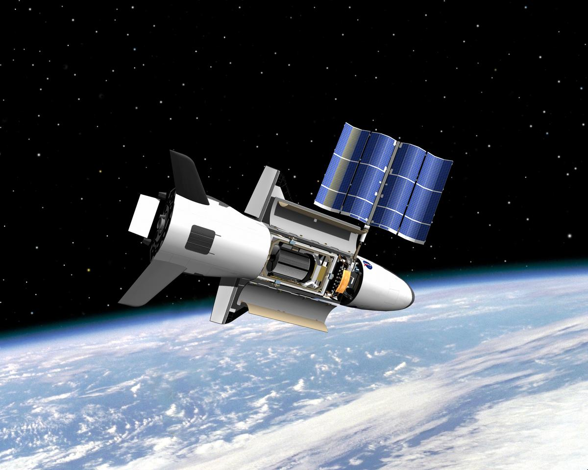 Artist's concept of the X-37B in orbit (Image: (Boeing Phantom Works)