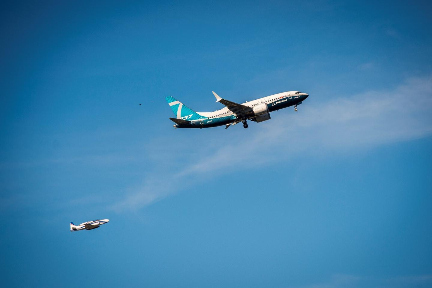 First flight for Boeing 737 MAX 7
