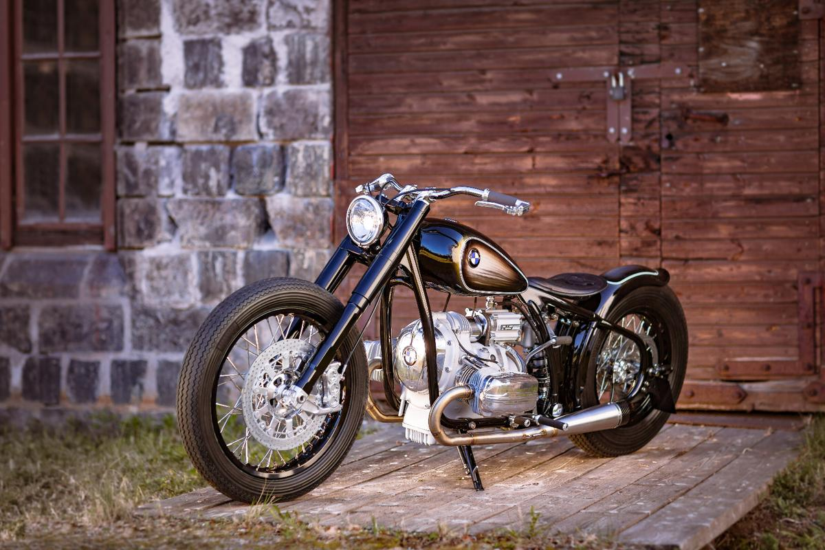The hand-made R5 Hommage is a unique custom model built around a boxer engine with a lot of history