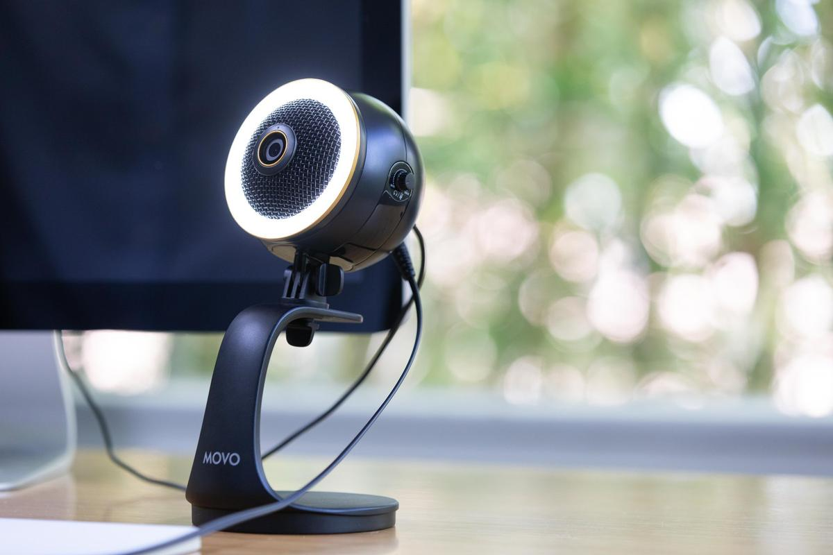 The WebMic all-in-one videoconferencing solutions come with a high quality webcam, condenser microphone and LED light ring cooked in