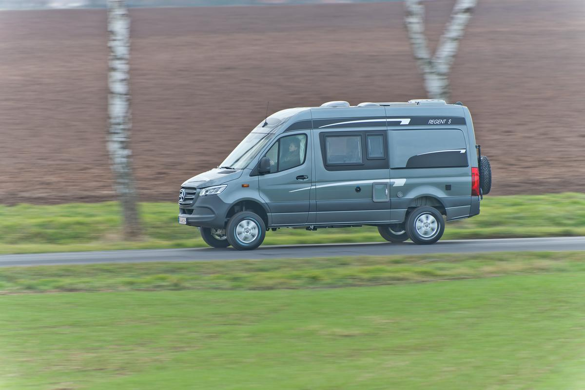 With its Oberaigner permanent 4x4 and available differential locks, off-road gearreduction and all-terrain tires, the LaStrada Regent S 4x4 promises to be a capable camper van for on- and off-road trips