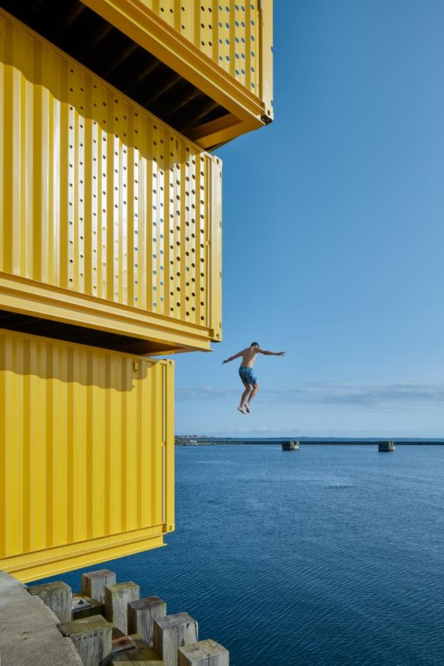 The Water Sports Center Halsskov's diving tower offers access to diving points at 4 m (13 ft) 8 m (26 ft) and 11 m (36 ft)