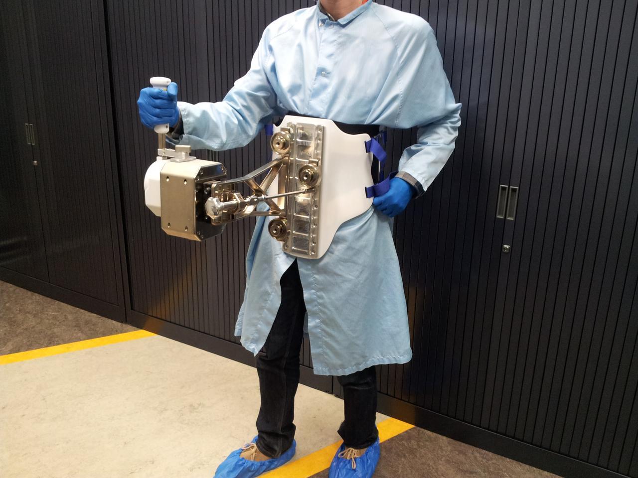 Body-mounted astronaut joystick (Photo: ESA)