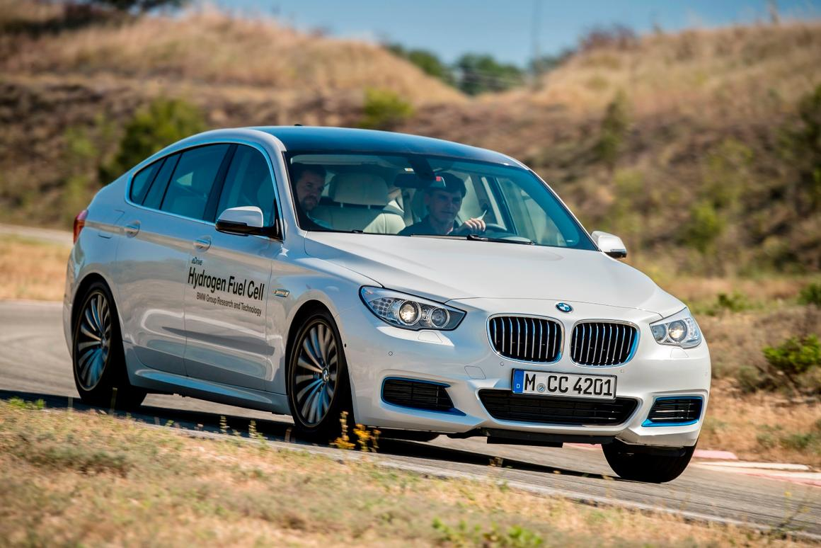 BMW's 5 Series GT prototype turns hydrogen gas into electric power