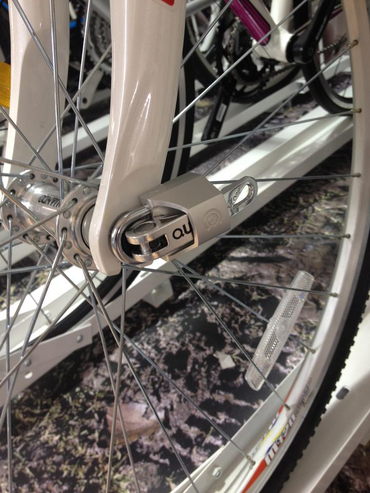 Quick Caps make it impossible to pull open a bike's quick-release wheel levers – without the key