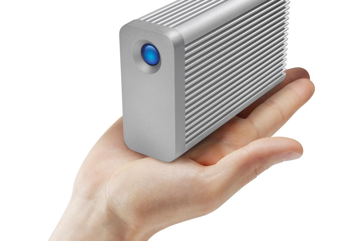 The LaCie Little Big Disk Thunderbolt Series SSD weighs 1.4 lbs (635 g)